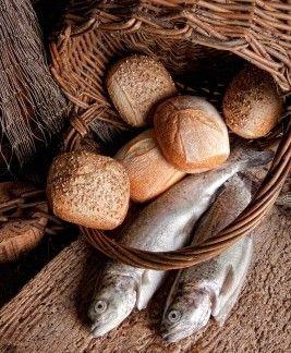 7-Loaves-2-Fish